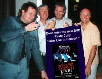Sailor 2003 - Rob, Grant, Peter and Phil present the DVD... ;-)